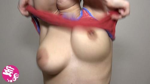 【おっぱい】巨乳娘が服を脱ぐ瞬間にボロンと露出した揺れ乳が堪らなくエロい脱ぎ途中のおっぱい画像集!ww【80枚】