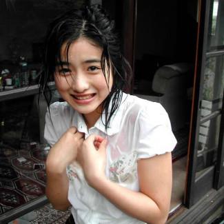 【おっぱい】雨やシャワーでびしょ濡れになった女子のブラジャーや乳首が透けて見えてるびしょ濡れ着衣のおっぱい画像集!ww【80枚】